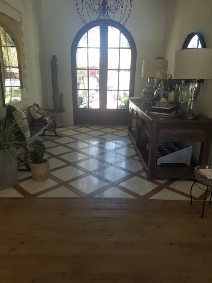 Reclaimed Hardwood Floor Install Mosaic Entryway